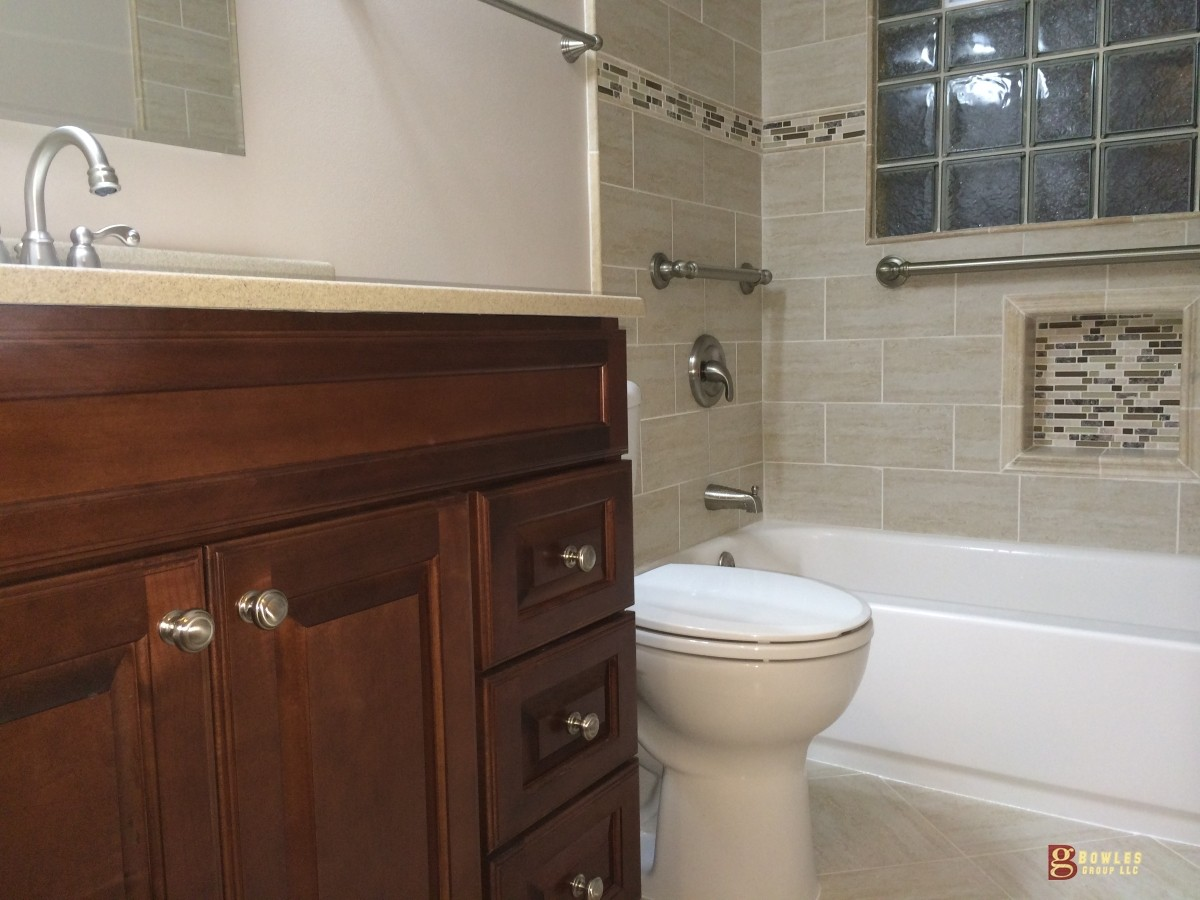 ADA Senior age in place bathroom remodeling Milwaukee, WI